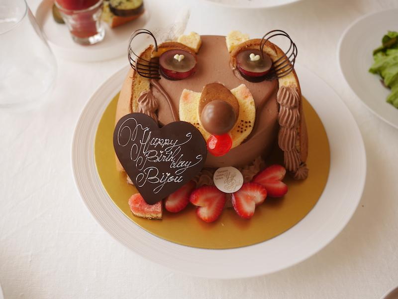 <犬との暮らし>有名ケーキ屋さんに犬の形をしたケーキーをオーダー・〜人間用ケーキ〜